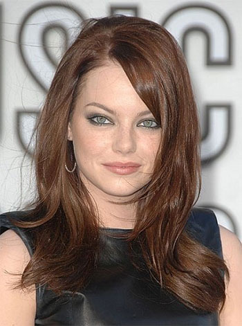 25 Modern Long Haircuts With Side Bangs & Layers For Oval ...