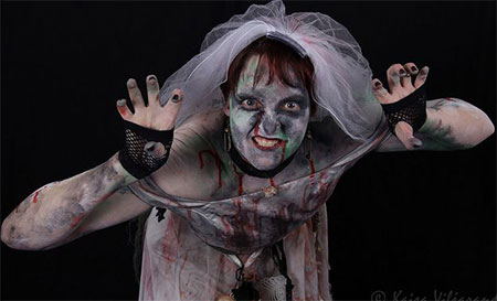 20-Scary-Creative-Halloween-Costume-Outfit-Ideas-For-Girls-Women-2014-17