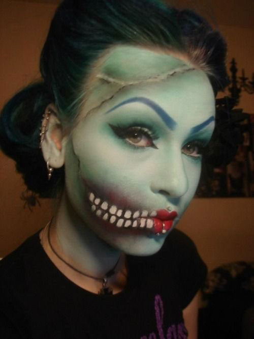 10-Amazing-Halloween-Mouth-Make-Up-Looks-Ideas-For-Girls-2014-9