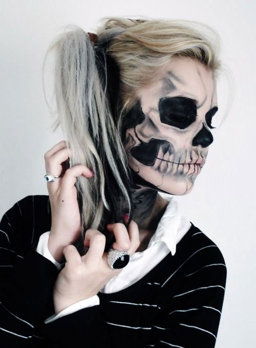 12-Halloween-Skeleton-Make-Up-Ideas-Looks-For-Girls-2014-11