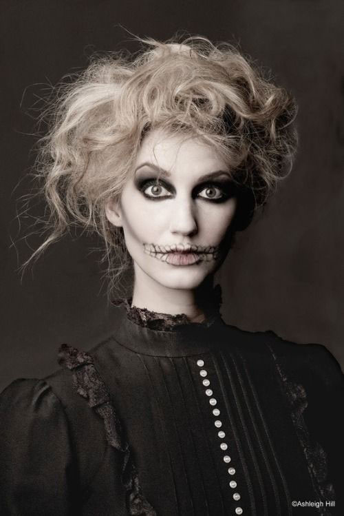 12-Halloween-Skeleton-Make-Up-Ideas-Looks-For-Girls-2014-2