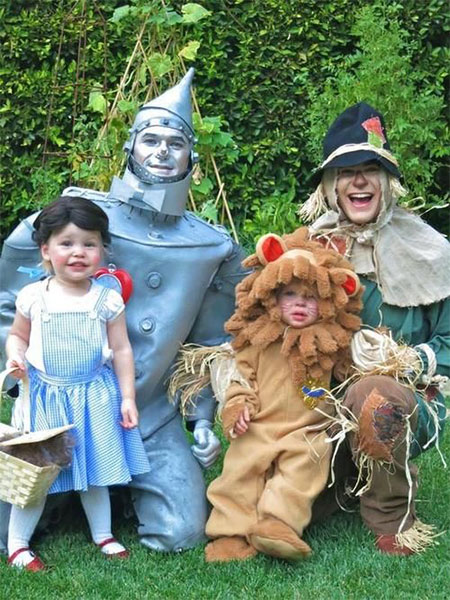 18-Family-Themed-Halloween-Outfits-Costume-Ideas-2014-14