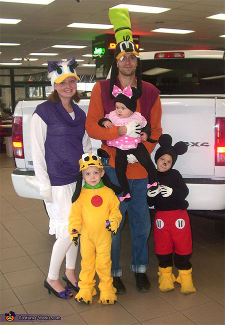 18-Family-Themed-Halloween-Outfits-Costume-Ideas-2014-2