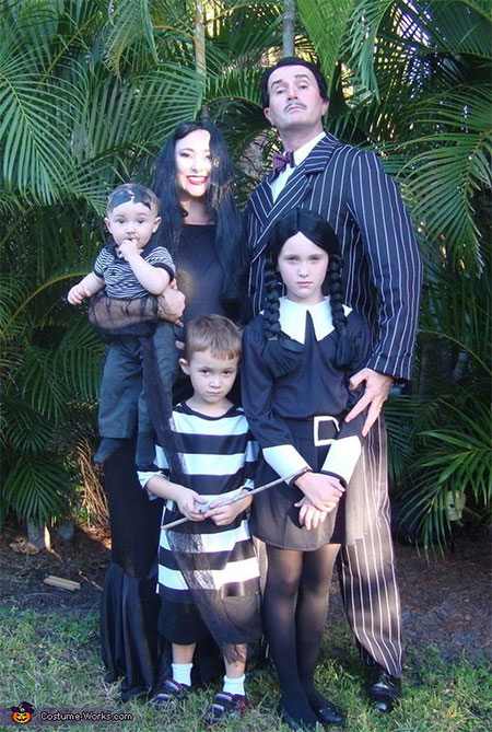 18-Family-Themed-Halloween-Outfits-Costume-Ideas-2014-4