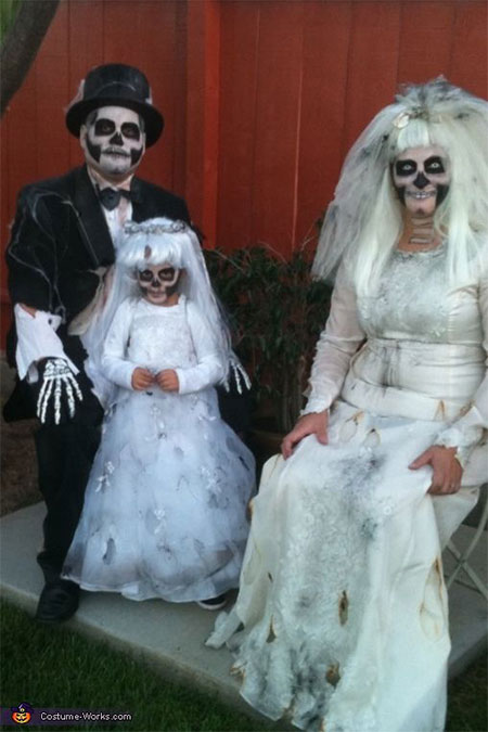 18-Family-Themed-Halloween-Outfits-Costume-Ideas-2014-8