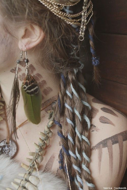 20-Crazy-Scary-Halloween-Hairstyle-Ideas-Looks-For Kids-Girls-2014-11