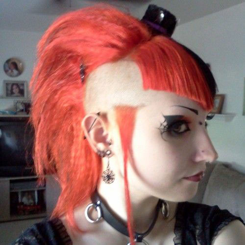 20-Crazy-Scary-Halloween-Hairstyle-Ideas-Looks-For Kids-Girls-2014-7