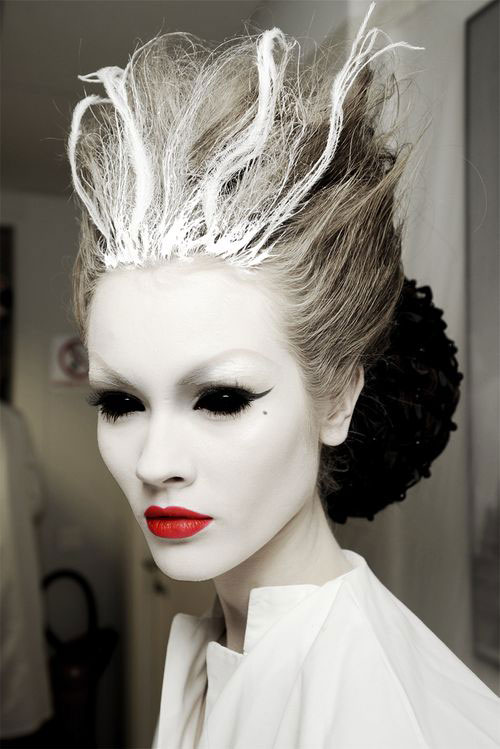 20-Crazy-Scary-Halloween-Hairstyle-Ideas-Looks-For Kids-Girls-2014-8