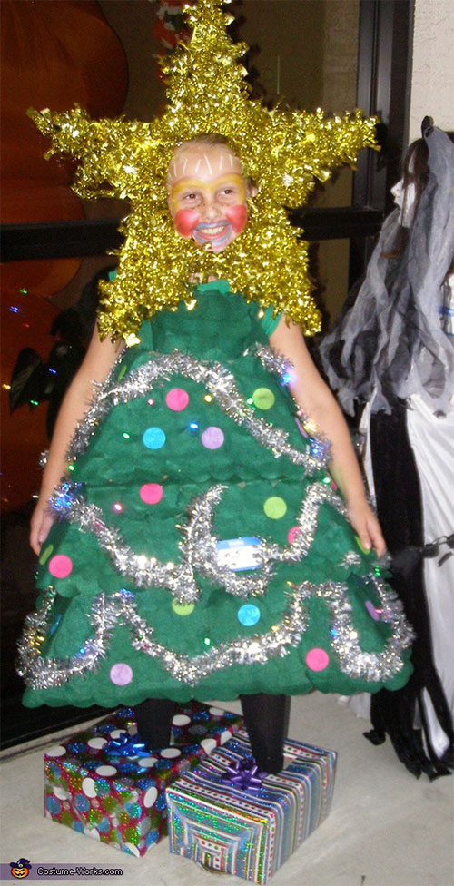 10-Home-made-Christmas-Tree-Costume-Ideas-For-Girls-Kids-2014-6