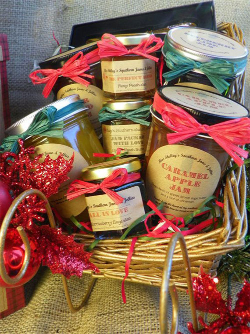 15-Best-Christmas-Basket-Ideas-2014-Xmas-Gifts-1