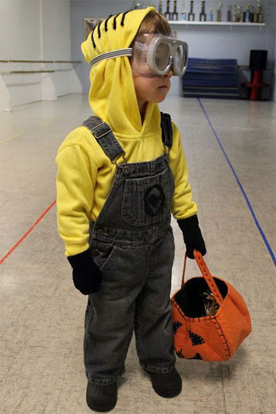 12-Minion-Halloween-Costume-Ideas-For-Kids-Girls-2015-5