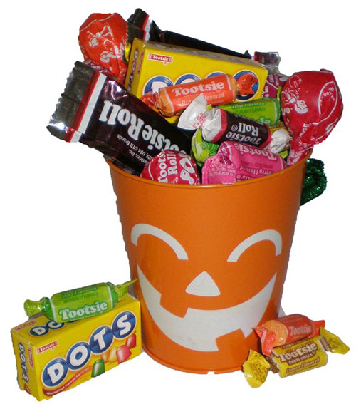 15-Halloween-Gift-Baskets-Bags-Ideas-2015-Gifts-For-Halloween-1