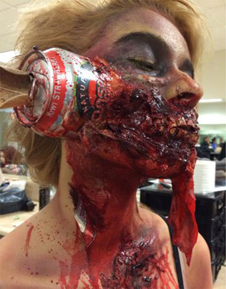 18-Very-Scary-Zombie-Makeup-Styles-Looks-Ideas-2015-For-Halloween-12