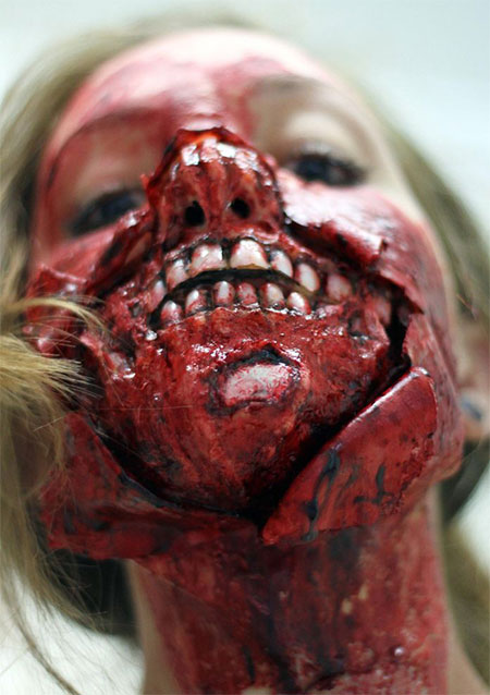 18-Very-Scary-Zombie-Makeup-Styles-Looks-Ideas-2015-For-Halloween-6