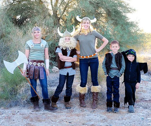 20-Cute-Funny-Family-Themed-Halloween-Costume-Ideas-2015-13