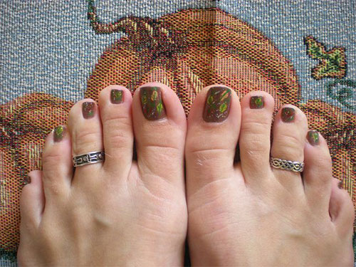 Autumn-Fall-Toe-Nail-Art-Designs-Ideas-Trends-Stickers-2015-1