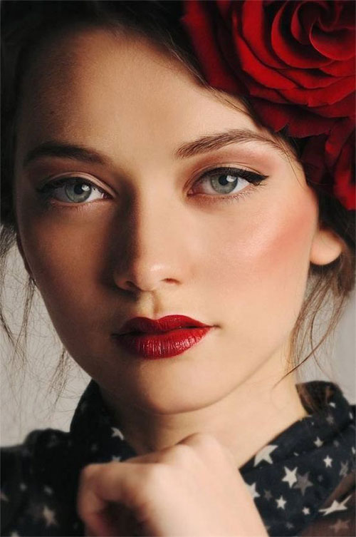 12-Christmas-Themed-Makeup-Looks-Ideas-For-Girls-Women-2015-1