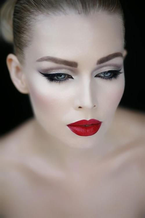 12-Christmas-Themed-Makeup-Looks-Ideas-For-Girls-Women-2015-6