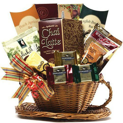 15-Best-Christmas-Gift-Basket-Ideas-For-Kids-Girls-2015-2