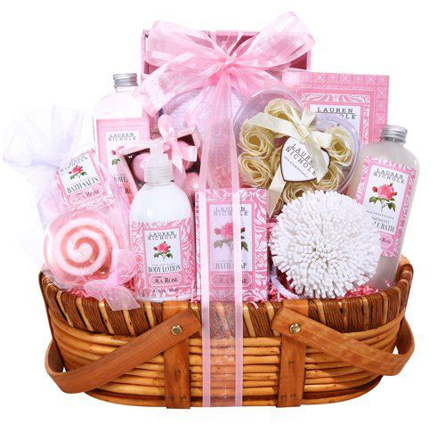 15-Best-Christmas-Gift-Basket-Ideas-For-Kids-Girls-2015-8