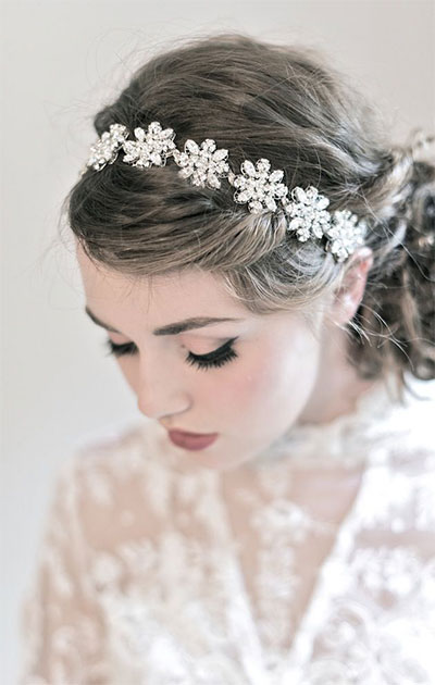 15-Inspiring-Winter-Wedding-Makeup-Looks-Ideas-2016-16