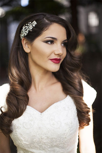 15-Inspiring-Winter-Wedding-Makeup-Looks-Ideas-2016-9