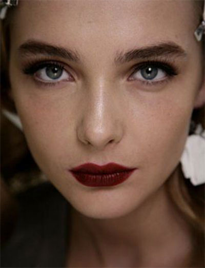 15-Winter-Themed-Dark-Lips-Makeup-Ideas-Styles-Looks-2016-4