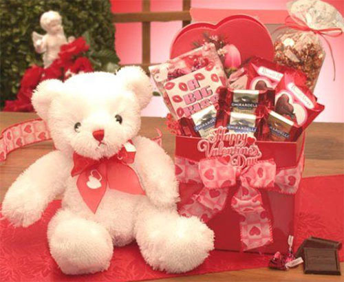 15-Valentines-Day-Gift-Basket-Ideas-For-Husbands-Or-Wife-2016-16