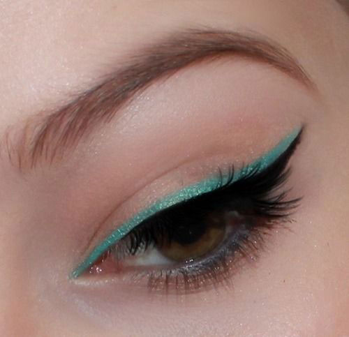 15-Amazing-Cat-Eyeliner-Styles-Looks-2016-4
