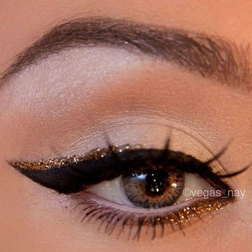 15-Amazing-Cat-Eyeliner-Styles-Looks-2016-6