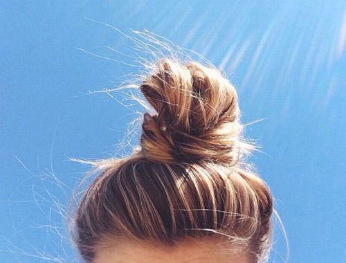 15-Easy-Summer-Hairstyle-Bun-2016-1