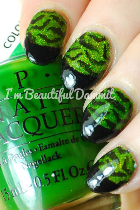 50-Halloween-Nail-Art-Designs-2016-35