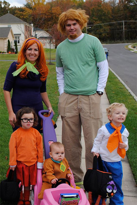 15 best family halloween costume ideas 2016 modern for Best family pictures