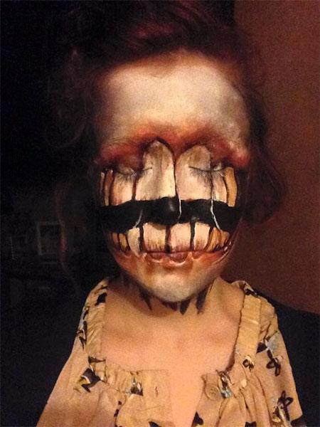15-scary-halloween-mouth-teeth-half-face-makeup-looks-ideas-2016-4