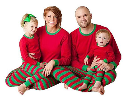 12-family-christmas-outfits-2016-13