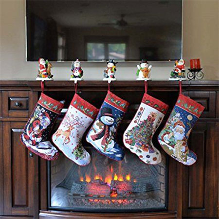 18-unique-christmas-knitted-embroidered-velvet-stockings-2016-1