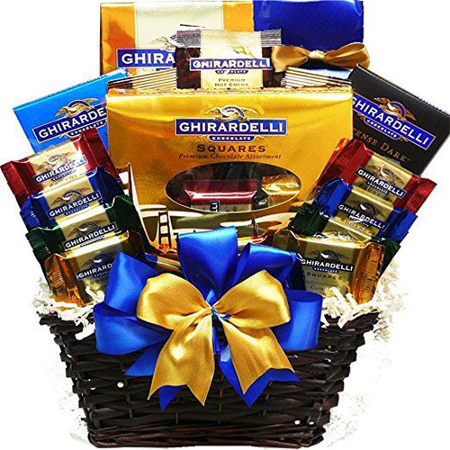20-Easter-Egg-Bunny-Gift-Baskets-2017-1