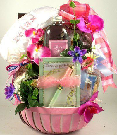 15-Mothers-Day-Gift-Baskets-Hampers-2017-1