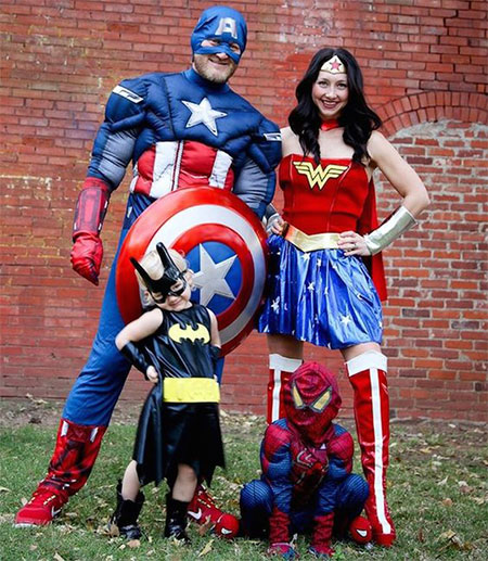 15-Unique-Family-Halloween-Costume-Ideas-2017-5