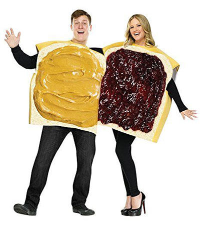 20-Halloween-Costumes-For-Couples-2017-2