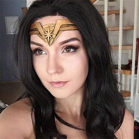 10-Halloween-Wonder-Woman-Makeup-Looks-For-Girls-2017-2