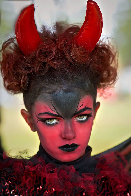 12-Spooky-Halloween-Devil-Makeup-Ideas-For-Girls-Women-2017-2