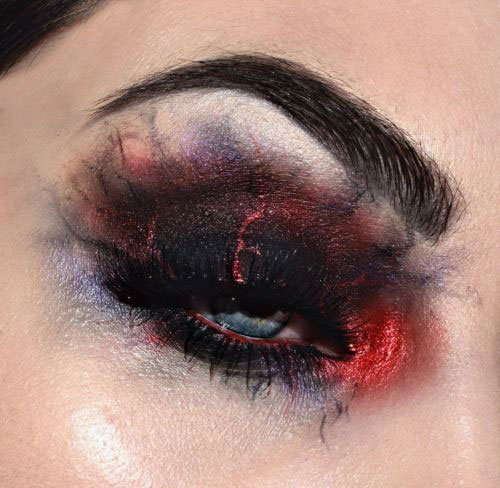 20-Halloween-Eye-Makeup-Ideas-Looks-For-Girls-Women-2017-7