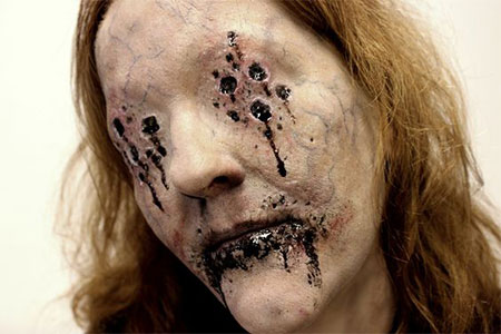 25-Scary-Halloween-Make-Up-Looks-For-Girls-Women-2017-23