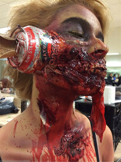 30-Scary-Halloween-Zombie-Face-Makeup-Looks-Ideas-2017-28