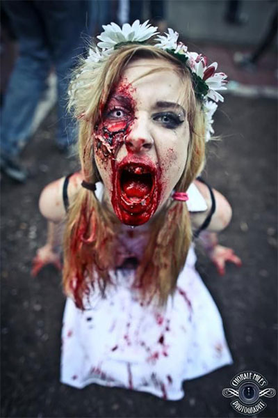30-Scary-Halloween-Zombie-Face-Makeup-Looks-Ideas-2017-30