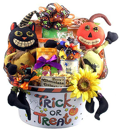 15 Halloween Gift Baskets & Bags For Kids & Adults 2017 | Gift ...