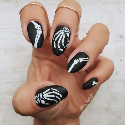 25-Best-Halloween-Nail-Art-Designs-Ideas-2017-18