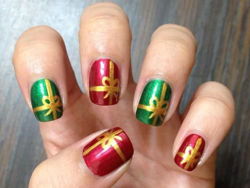 10-Christmas-Presents-Nail-Art-Designs-Ideas-2017-Xmas-Nails-8