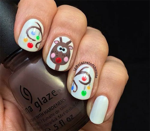 12-Christmas-Reindeer-Nail-Art-Designs-Ideas-2017-Xmas-Nails-7